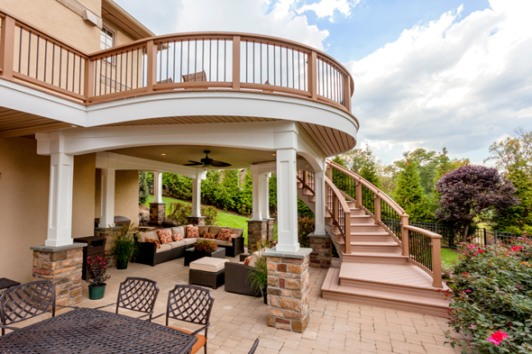 Deck with Curved Staircase