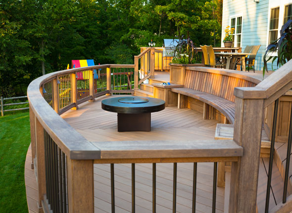 Bi-level Deck with Entertainment Area